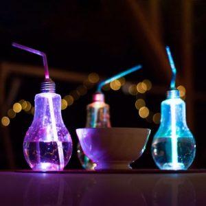 Osvetljen LED kozarec za zabave - žarnica - 400 ml