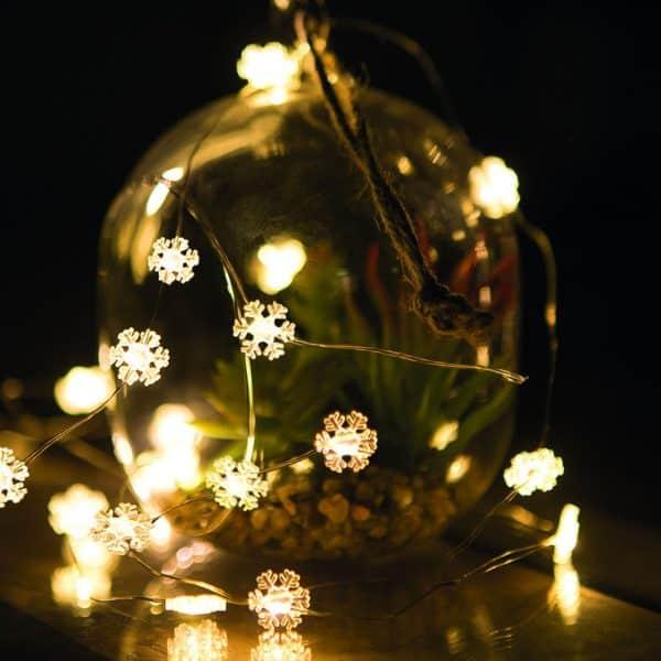 Božično - novoletne micro LED lučke na baterije snežinke - 20 LED - 2 m - toplo bela - 3 x AAA