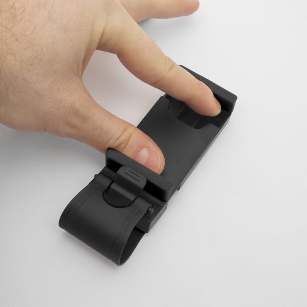 Držalo za mobilni telefon za volanski obroč, črno