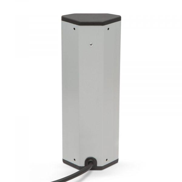 Kotni razdelilec - 4 x 250V, 16A - 2 x USB, 2,1A - aluminijasto ohišje