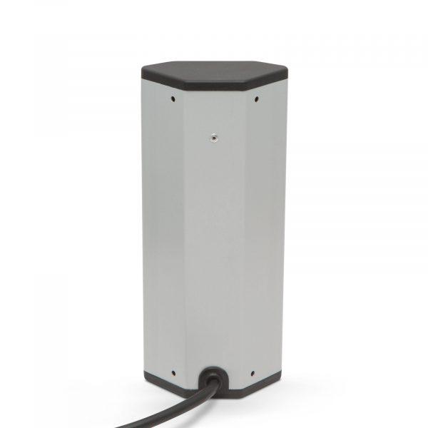 Kotni razdelillec - 3 x 250V, 16A - 2 x USB, 2,1 - aluminijasto ohišje