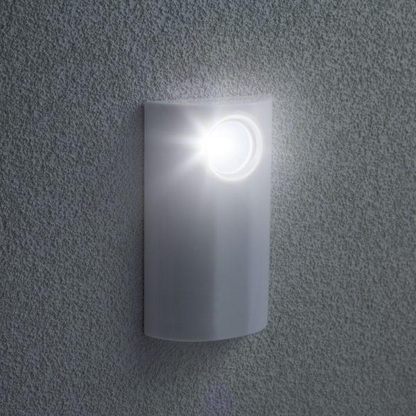 LED svetilka z zatemnilnim stikalom na dotik