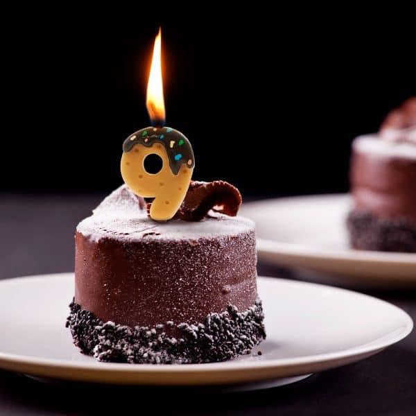 Svečka za na torto v obliki številke 9